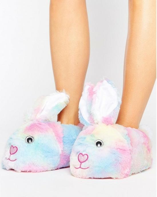 regalos originales para amigas, pantuflas en forma de conejos en colores pasteles, ideas de regalos para mujeres