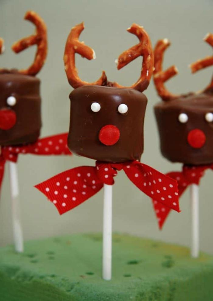 originales propuestas de dulces para Navidad decoradas de manera ingeniosa, renos de chocolate