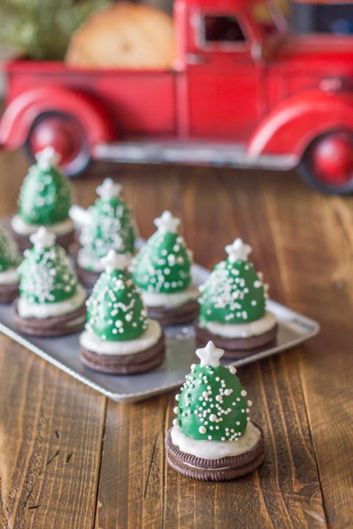 precioso pastel super original y económico, ideas de galletas navideñas caseras, postre con galletas oreo