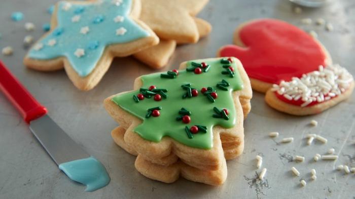 galletas navideñas de mantequilla, bonitas figuras de galletas, dulces típicos para Navidad