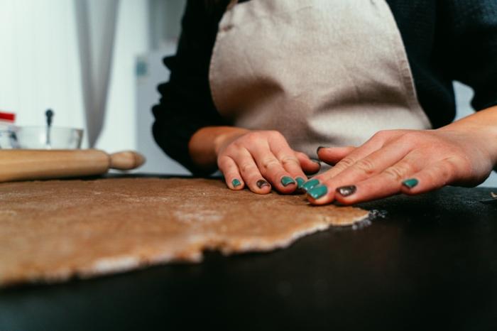 video y foto turotiales para recetas caseras fáciles y rápidas, como preparar una tarta con masa de hojaldre casera