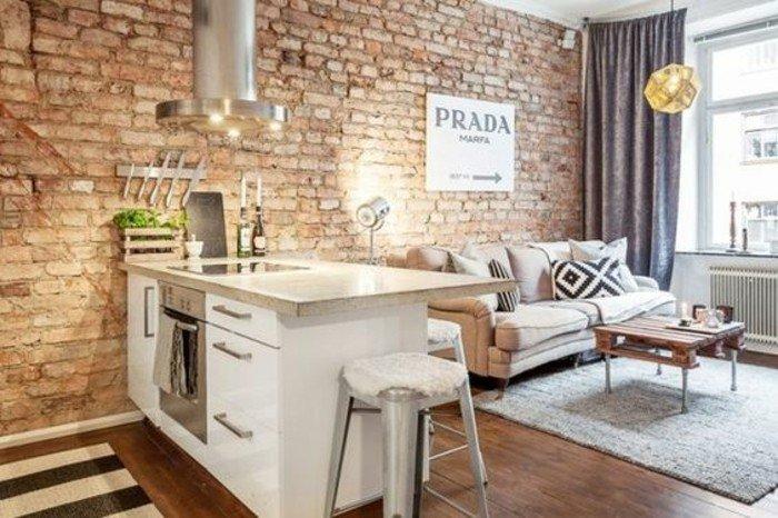 espacio abierto decorado en estilo industrial, como decorar una habitacion de estudio , cortinas opacas de terciopelo en gris