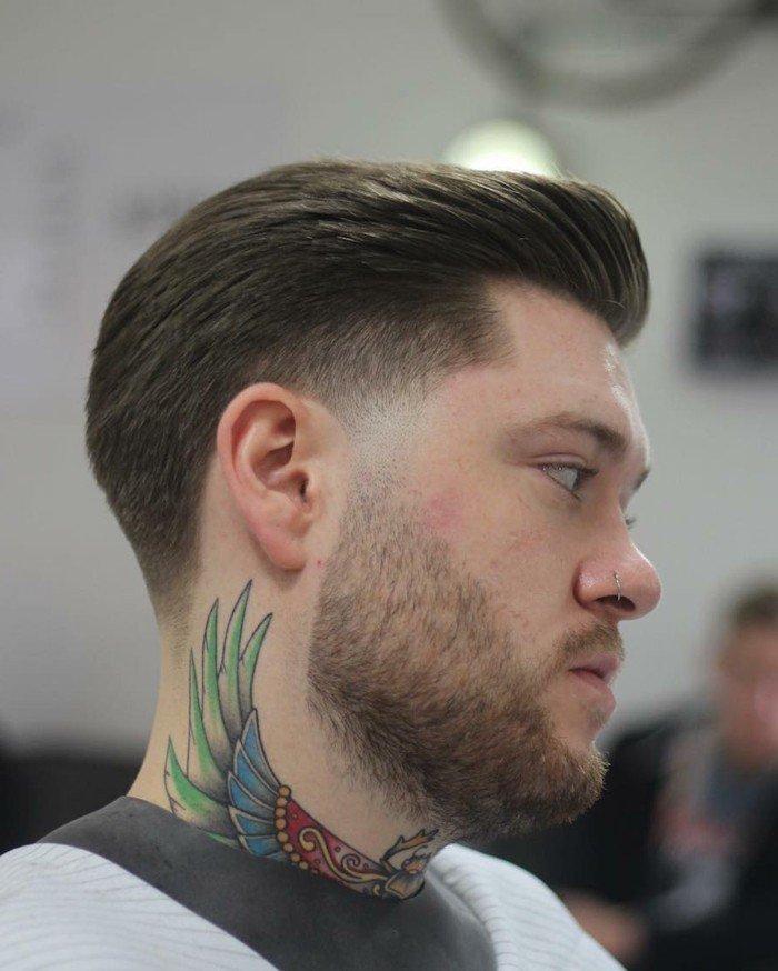 cuáles son los peinados más modernos esta temporada, cabello castaño claro con degradado