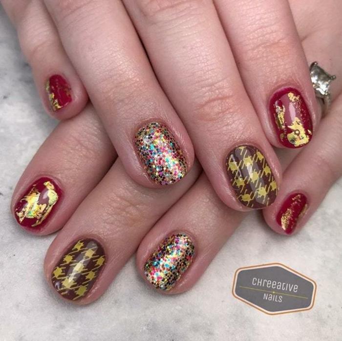 uñas cortas decoradas para Navidad, diseños de uñas relucientes para Navidad y Noche Vieja