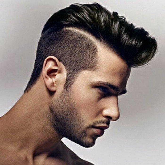 peinados y cortes de pelo hombre que están en tendencia, corte de pelo halcón con sienes rapados