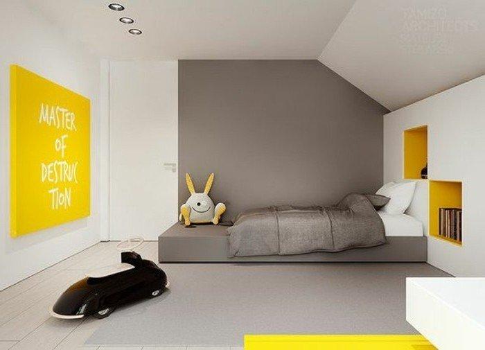 dormitorio infantil decorado en blanco, azul y amarillo, suelo de parquet, decoracion en estilo contemporaneo