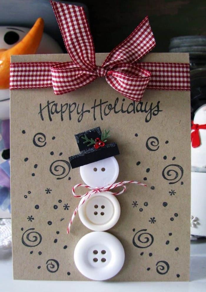 tarjetas de felicitacion de navidad super originales hechos con materiales reciclados, muñeco de nieve de botones