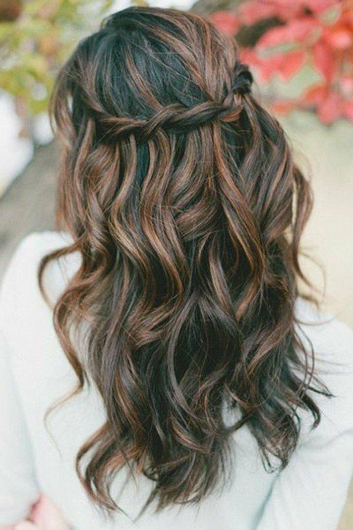 ideas de peinados pelo largo, reflejos en el pelo, cabellera en castaño oscuro con reflejos chocolate