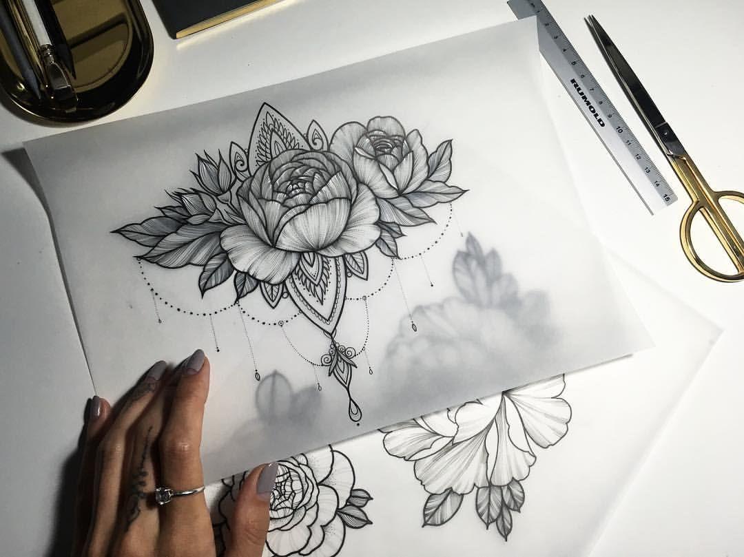 los mejores dibujos de tattoos con flores, tatuajes de flores en negro, bonito dibujo peonias y flor de loto