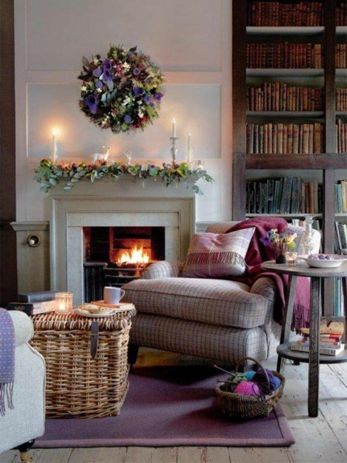 imagines de decoracion de salones pequeños con chimeneas de leña, estanterias con libros, sillón acogedor