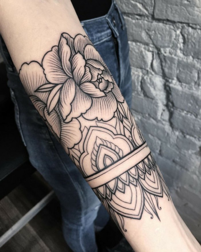 los tatuajes de flores más bonitos, flor de loto tatuaje, símbolo de la belleza y la pureza espiritual