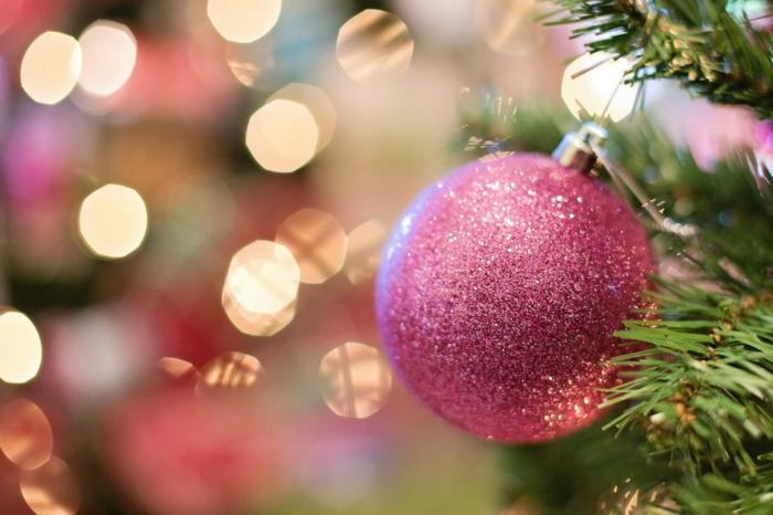 fotos navideñas bonitas con decoración navideñas, adornos navideños bonitos en diferentes colores