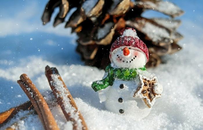 imagines de navidad gratis para descargar y enviar a tus seres queridos, muñeco de nieve pequeño