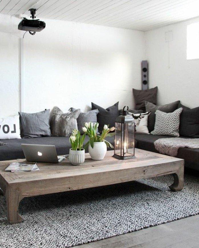 bonitos ejemplos de habitación gris y blanca, paredes blancas, almohadas y cojines decorativos