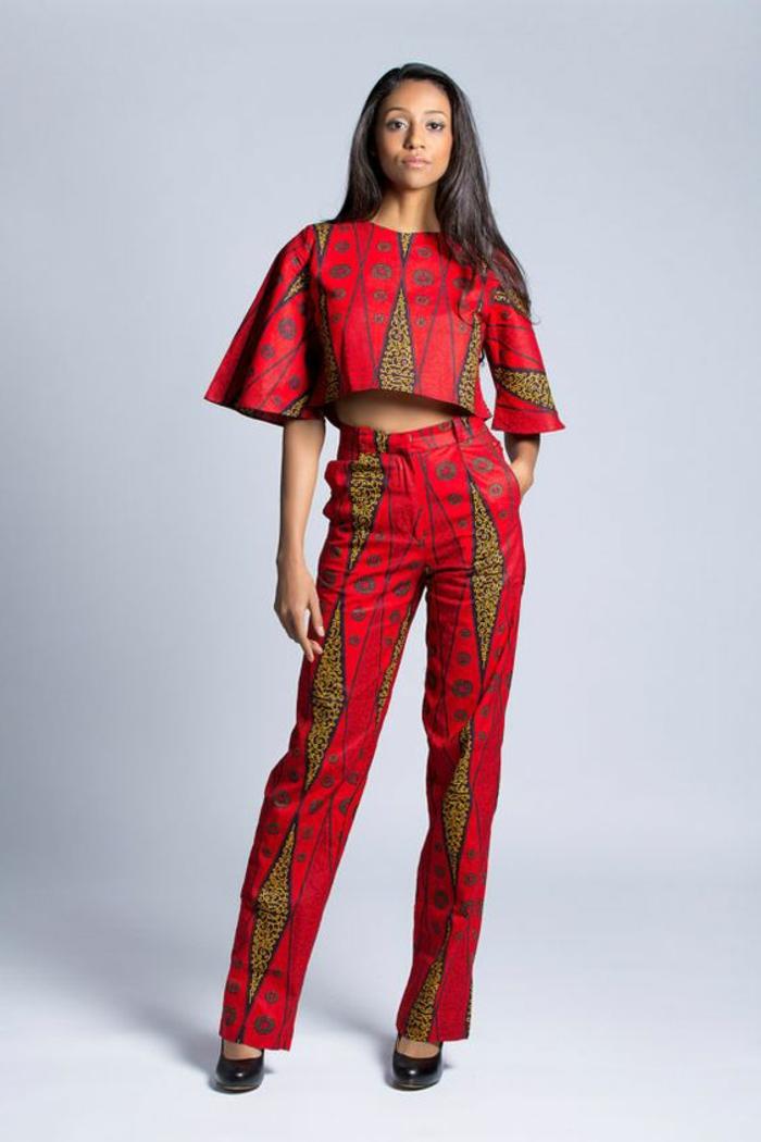 adorables diseños de prendas mujer inspirados en la ropa africana, mono en rojo y beige