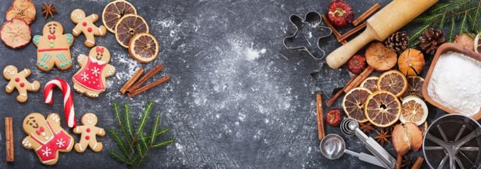 bonitas fotos para felicitar la navidad, galletas naviñas de jengibre decoradas de maravilla