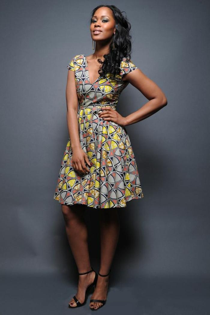 vestido corto de bonito diseño y estampados etno,vestidos bonitos y versátiles en boho chic