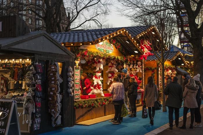 paisajes de navidad muy especiales, mercado de Navidad con juguetes navideños, fotos bonitas Navidad