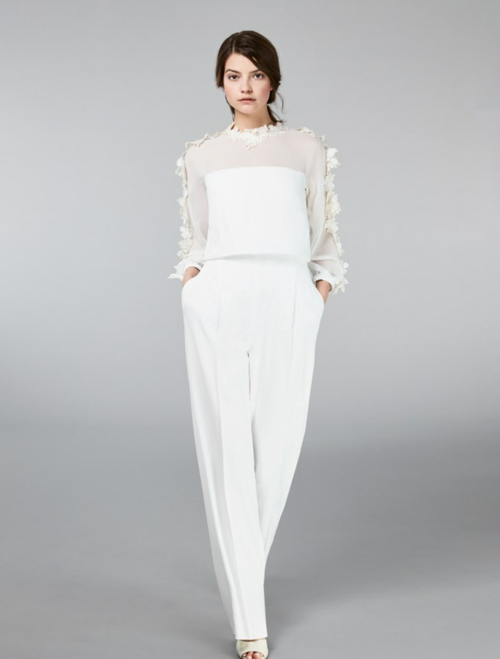 foto de mono blanco, vestidos y monos para novias, mono corte recto con parte superior de diseño original