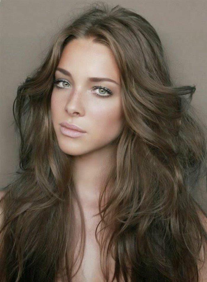 pelo castaño con mechas, precioso cabello cortado con degradado, pelo largo color avellana