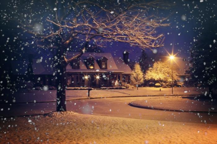tarjetas para descargar gratis e imprimir con paisajes de navidad, precioso parque con luces y nieve