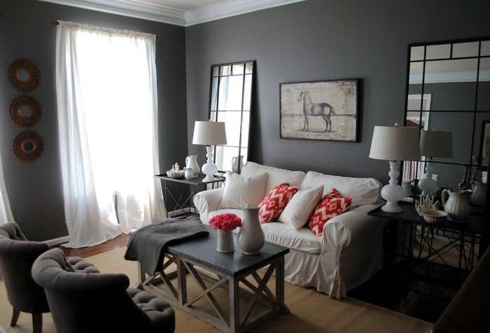 colores habitacion oscuros, paredes en gris oscuro y sofá blanca, muebles vintage