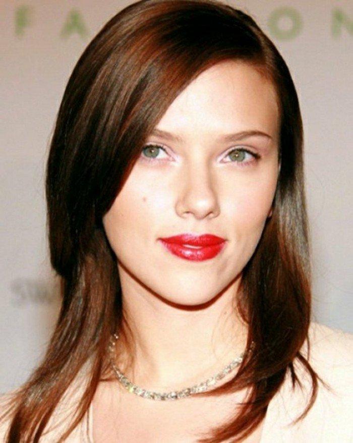 cabello corto color castaño con reflejos rojos, ideas de pelo castaño con mechas
