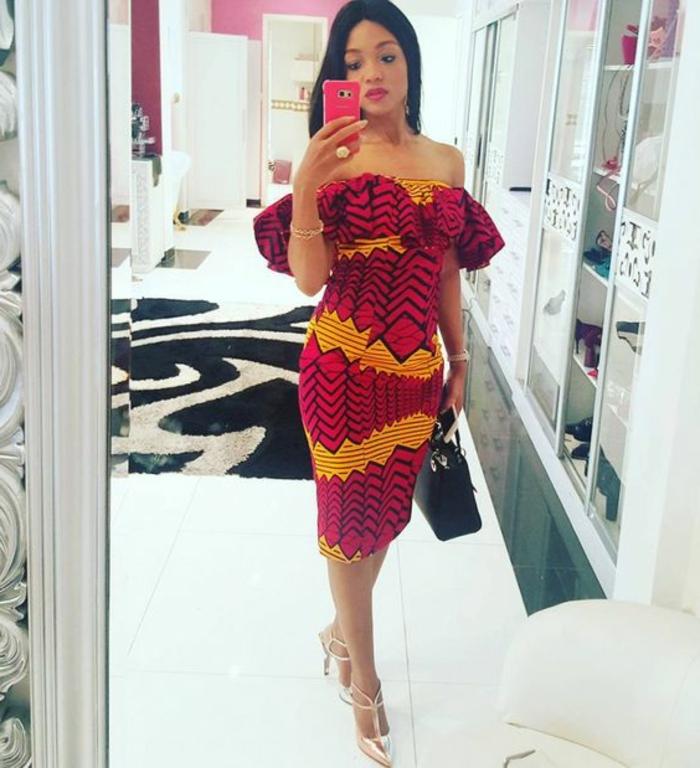 elegante vestido con hombros descubiertos en rojo y amarillo, vestidos modernos estilo boho chic