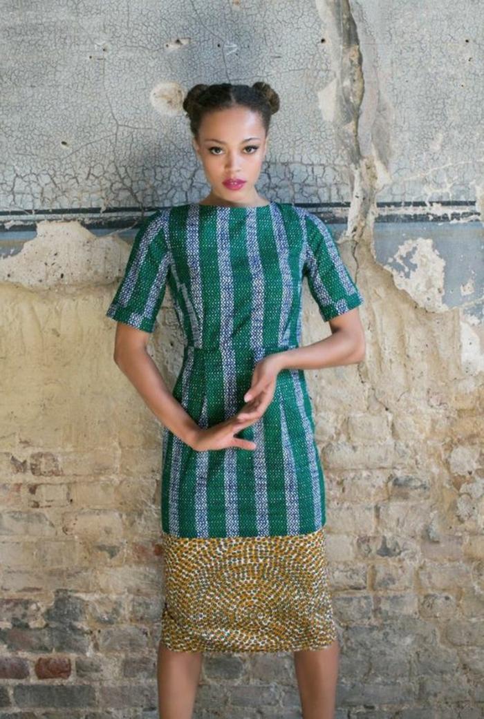 vestido moderno corte recto debajo de la rodilla, tayas en azul claro y verde, mujer con dos moños trenzados