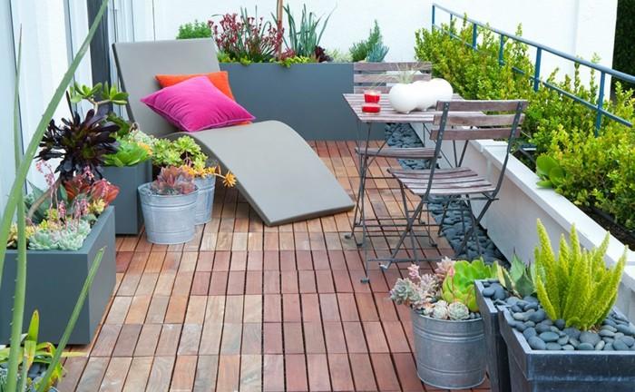 adorables ideas de decoracion terrazas pequeñas, suelos vínilcos, muebles de tamaño pequeño de madera
