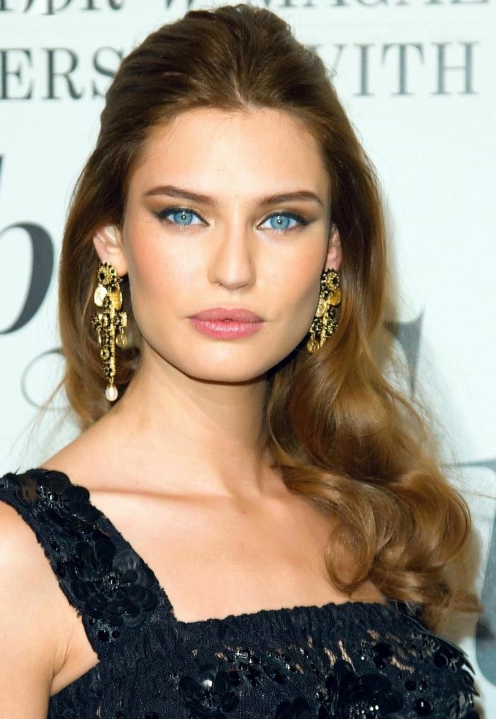 fotos de celebridades con ideas de peinados pelo largo, semirecogido elegante pelo largo, cabello color avellana