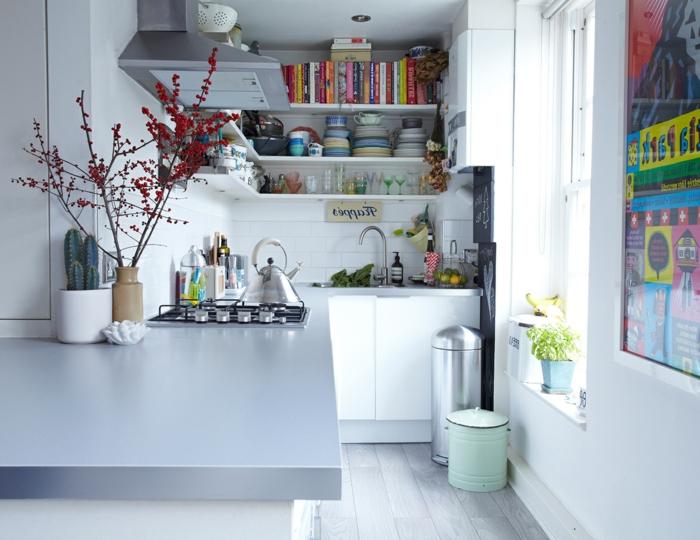 ideas sobre cómo aprovechar el espacio en una cocina pequeña, cocinas pequeñas con isla en color blanco