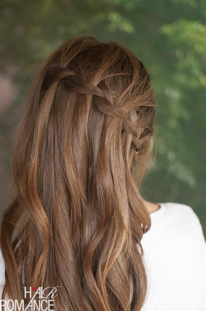 bonitas propuestas de peinados para bodas, elegante peinado con pelo suelto con una trenza lateral diagona