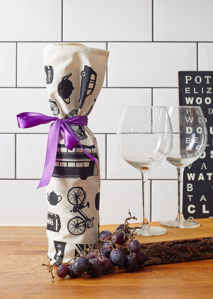 bolsas para botellas de vino y bonitos embalajes en imagines, telas estampadas para decorar una botella de vino