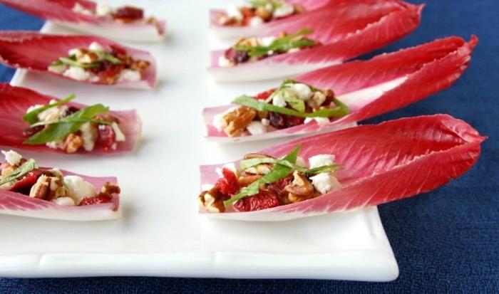faciles y rápidas propuestas de entrantes para menú san valentín, lechugas rojas rellenas