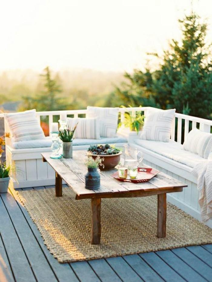 fotos de balcones decorados, muebles de diseño de madera, suelo de parquet y alfombra de fibras naturales