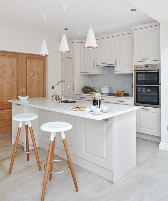ejemplos de cocinas modernas pequeñas , cómo aprovechar mejor el espacio en una habitación pequeña