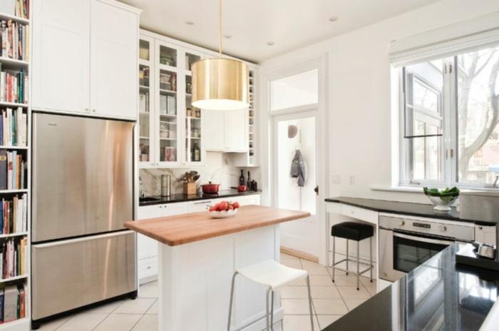 ideas sobre cómo aprovechar mejor el espacio, cocina americana pequeña con isla, decoración en blanco