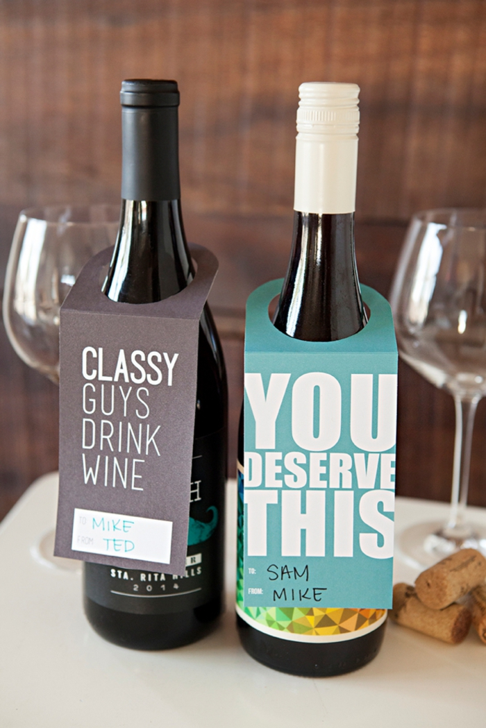 botellas para regalar con etiquetas originales, bolsas para botellas de vino y decoraciones