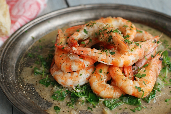 ideas de platos ricos de mariscos para una cena san valentin, camarones cocidos en salsa