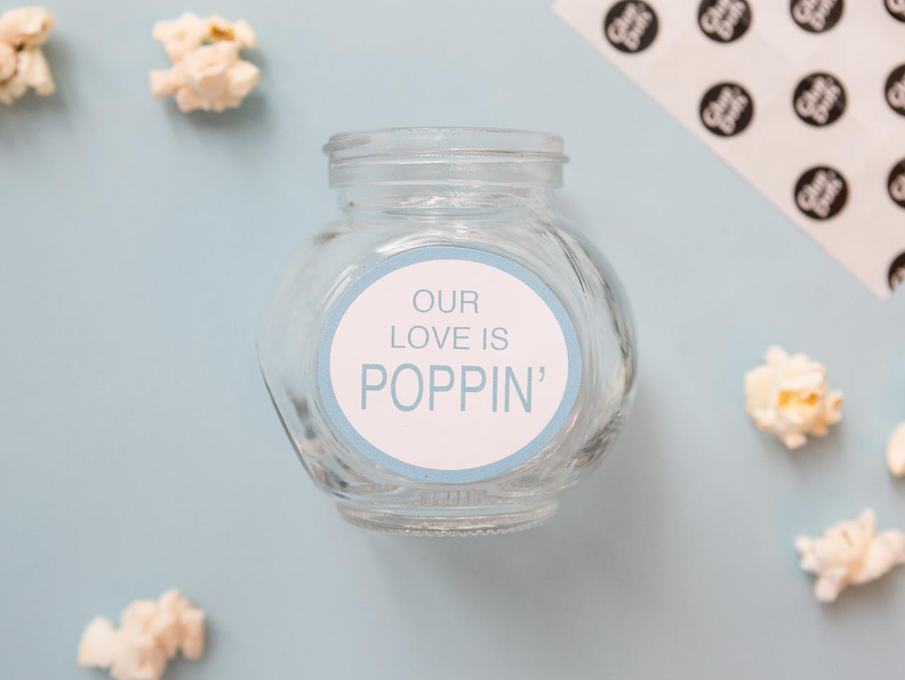 ejemplos originales de manualidades para regalar a mi novio, frasco de vidrio con etiqueta letras amorosas