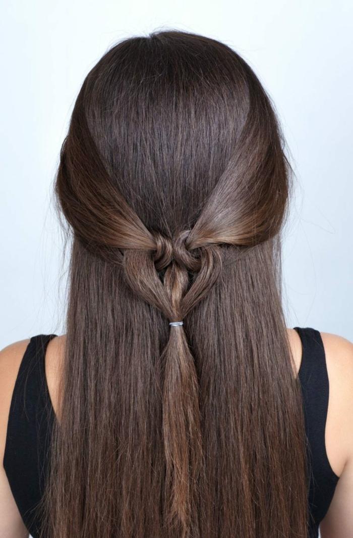 cabelleras largas y sanas en bonitos recogidos, ideas de peinados invitada boda, semirecogido con precioso detalle en forma de corazón