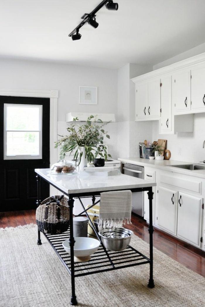 cocinas pequeñas alargadas decoradas de maravilla, cocinas blancas de tamaño pequeño