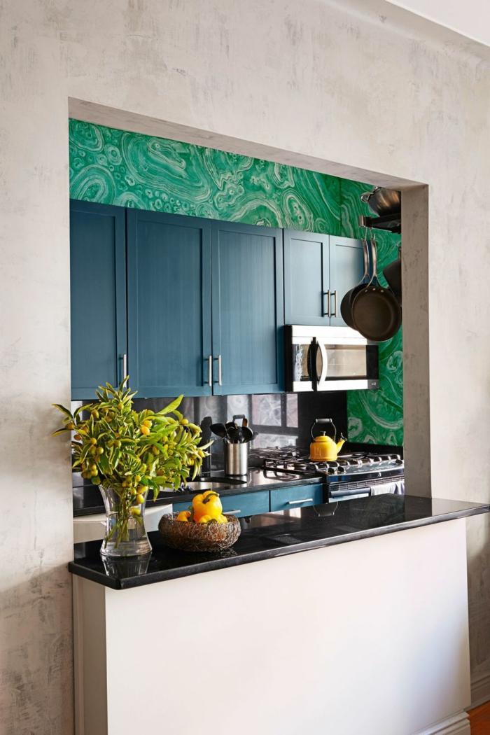 espacios decorados con mucho encanto estilo contemporáneo, cocinas pequeñas alargadas