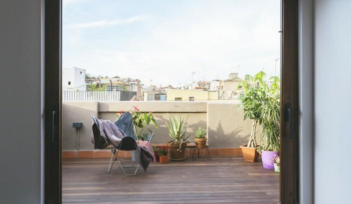 adorables propuestas de decorar terrazas pequeñas, espacio decorado en estilo minimalista con bonita vista