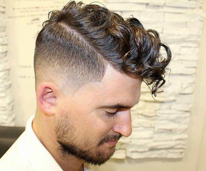 ejemplos de cortes de pelo hombre 2017, pelado moderno sienes rapados,larga franja con rizos