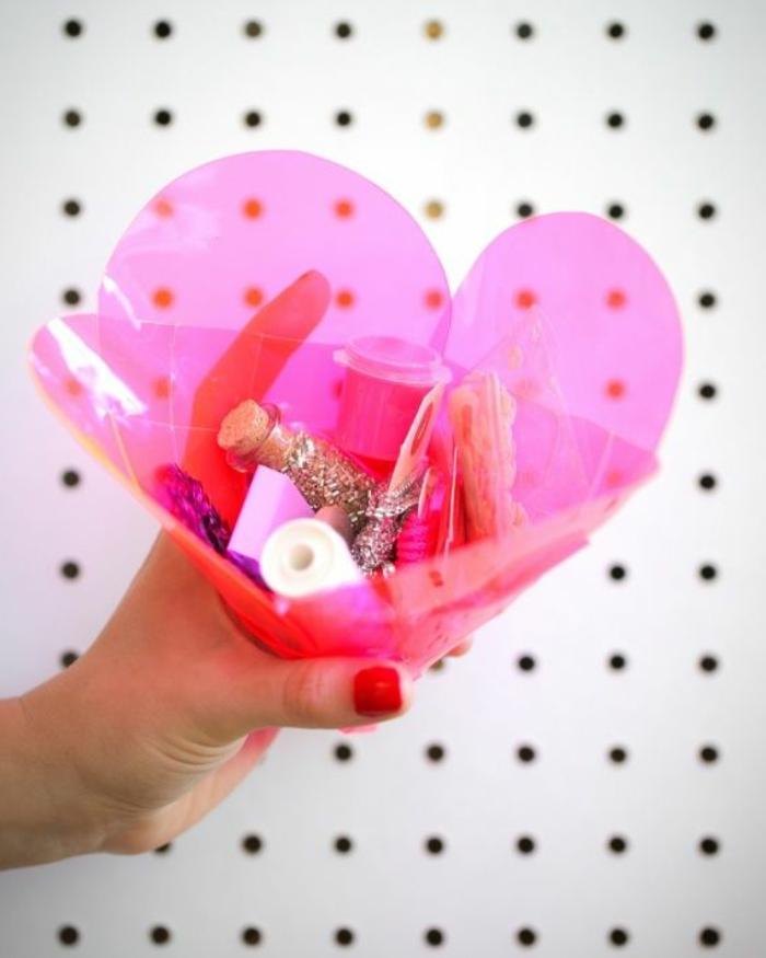 ideas de regalos originales para novios caseros, manualidades para el día de San valentín originales y prácticos