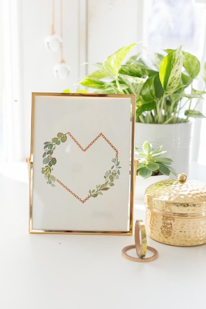 regalos originales para novios caseros para decorar la casa, cuadro decorativo con un corazón geométrico