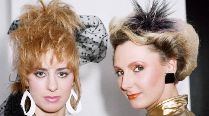 peinados, prendas, vestidos y accesorios retro, propuestas sobre como se vestian en los años 80