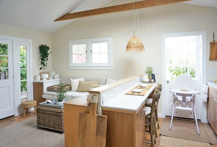 cocina pequeña con grande isla y muebles multifuncionales, ejemplos de espacios pequeños decorados con encanto